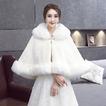 Manteau de mariage châle manteau chaud manteau rembourré en fausse fourrure