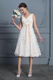 Robe de mariée Glamour Longueur Genou Col en V De plein air Nœud à Boucles