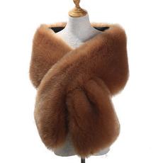Écharpe de cape de châle de robe de dîner en poil de faux renard