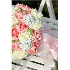 Appareil de filé de simulation 30 avec les roses bouquet de mariée partout dans l'étoile du ciel
