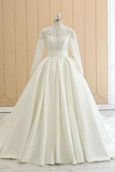 Robe de mariée Manche Longue Haute Couvert Satin a ligne Bouton