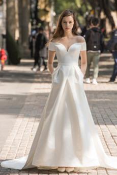 Robe de mariée Col en V Jardin Lacet Manquant Satin Froid