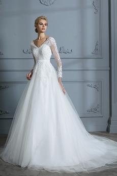 Robe de mariée a ligne Broderie Cérémonial Froid Chapelle Manche Longue