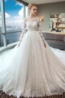 Robe de mariée aligne Traîne Royal Manche Aérienne Lacet Satin