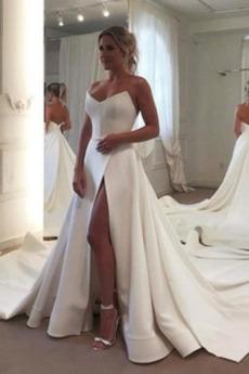 Robe de mariée aligne Salle Naturel taille Sans Manches Satin Col en Cœur