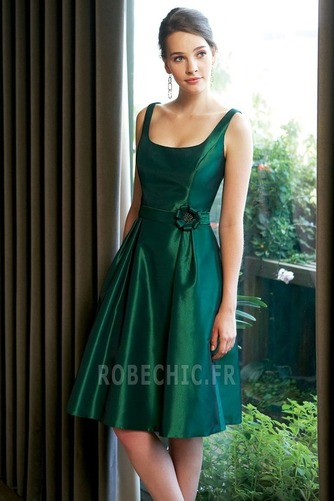 Robe Demoiselle d'Honneur a ligne Simple Tube droit Orné de Rosette - Page 1