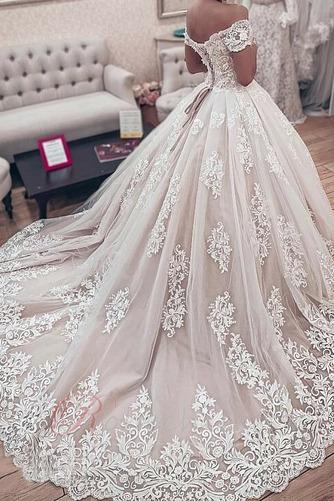 Robe de mariée Lacet Classique Chapelle A-ligne Satin Médium - Page 2