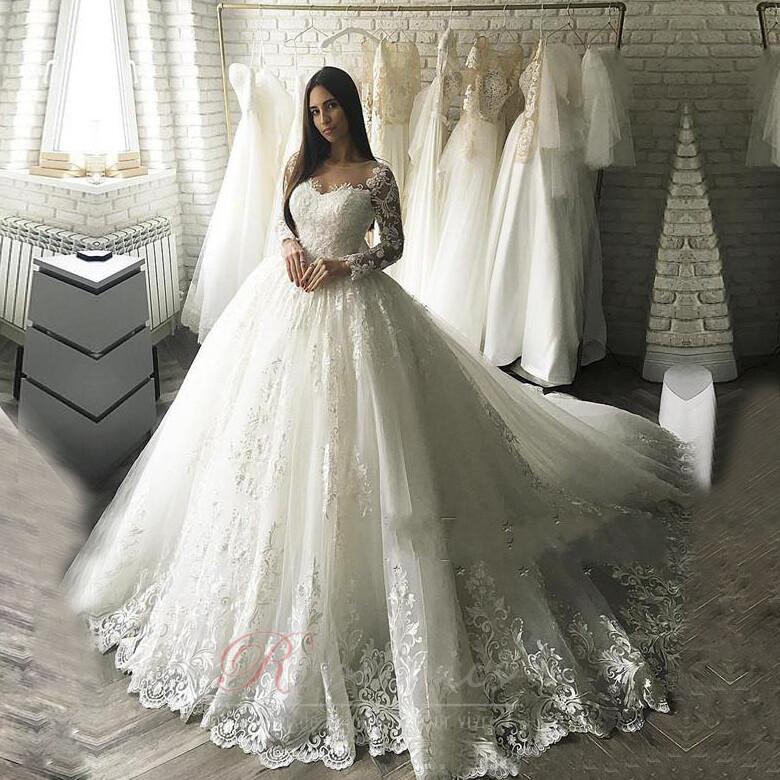 3 façons d'économiser de l'argent pour trouver la robe de mariée idéale