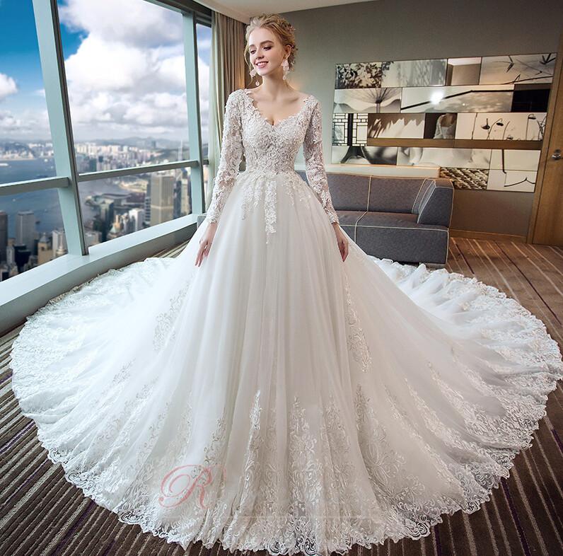 Trouvez la bonne taille de robe de soirée